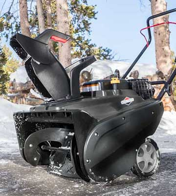 Review of Briggs and Stratton 1022ER Single Stage Snowthrower Snow Thrower
