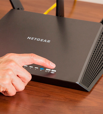 Review of NETGEAR Nighthawk (R7000-100PAS) AC1900 Dual Band Gigabit WiFi Router