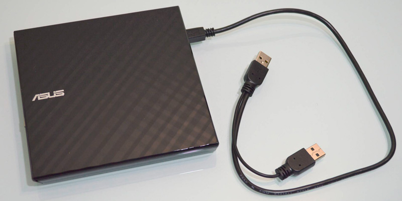 Detailed review of ASUS SDRW-08D2S-U External Slim DVD+/-RW Drive