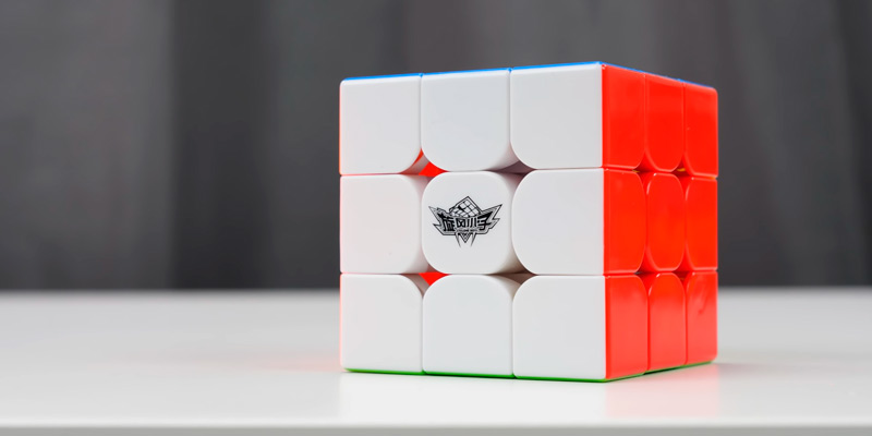 Review of D-FantiX Cyclone Boys 3x3 Speed Cube
