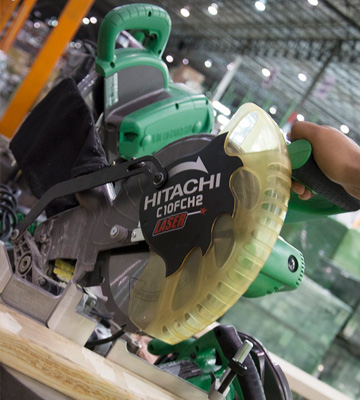 Review of Hitachi C10FCH2 Single Bevel Compound Miter Saw with Laser Marker