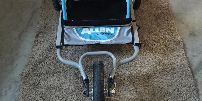 Allen Sports Child Jogger Trailer in the use