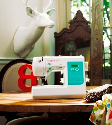 Review of SINGER Stylist 7258 Computerized Sewing Machine