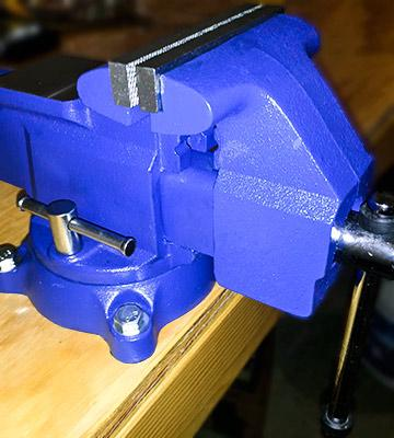 Review of Yost Tools 445 Pipe and Bench Vise