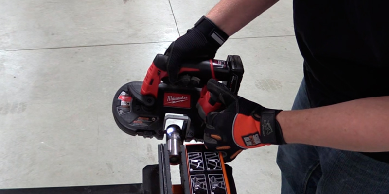 Review of Milwaukee 2429-21XC Cordless Sub-Compact Bandsaw