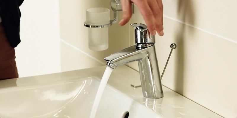 Review of Grohe 23036002 Centerset Single-Handle