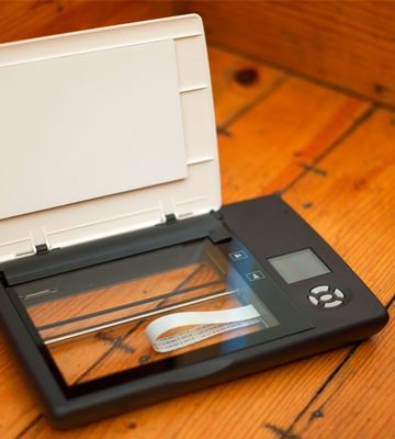 Review of Doxie Flip Cordless Flatbed Scanner