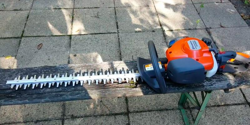 "Detailed review of Husqvarna 122HD45 21.7 cc/18""/10.3 lb. Double Sided Hedge Trimmer"