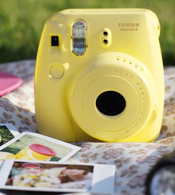 Review of Fujifilm Instax Mini 8 Instant Camera