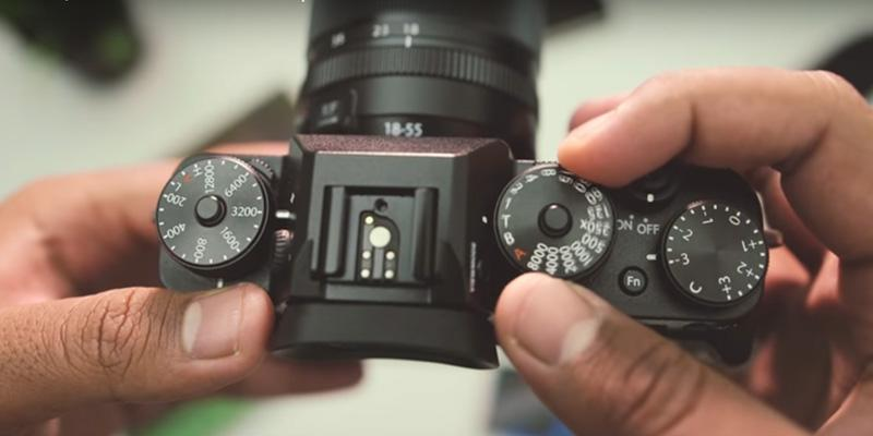 Fujifilm X-T2 Mirrorless Digital Camera in the use