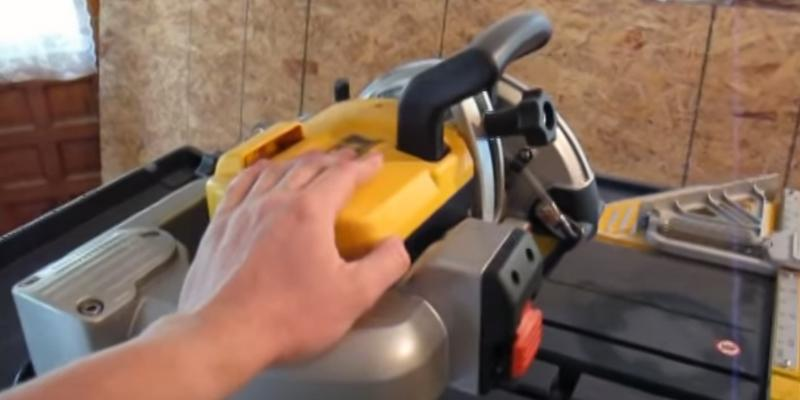 DEWALT D24000 Wet Tile Saw in the use