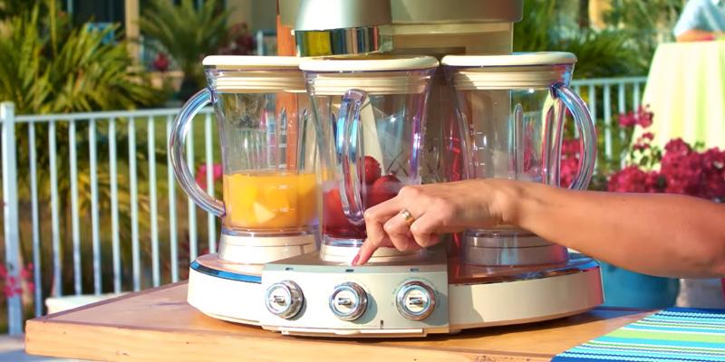 Margaritaville Tahiti Frozen Concoction Maker, DM3000 in the use