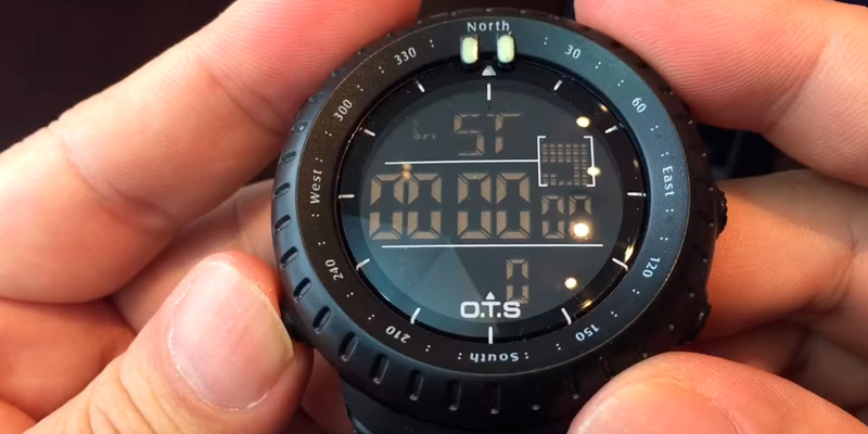 PALADA T7005G Waterproof Tactical Watch in the use
