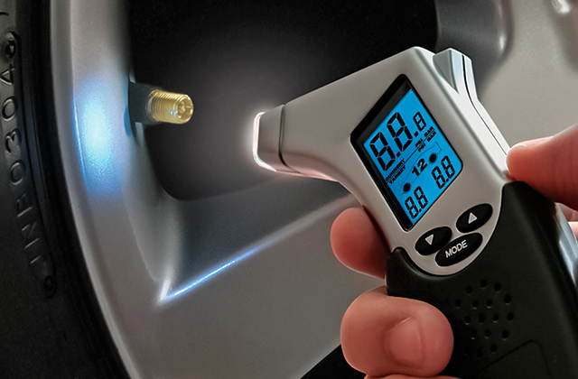 Best Tire Pressure Gauges to Prevent Hazards on the Road