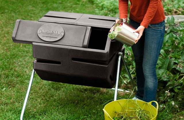 Best Composting Tumblers to Convert Kitchen and Yard Waste Into Fertilizers