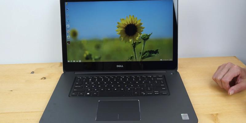 Dell i5559-4682SLV Touch Screen in the use