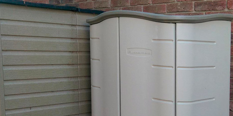 Rubbermaid Outdoor Vertical Storage Shed in the use