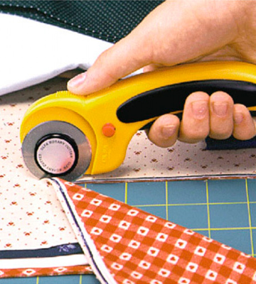 Review of Olfa Rotary Cutter Deluxe
