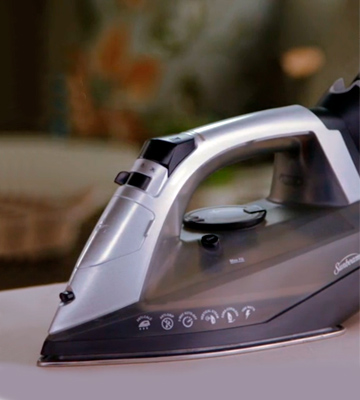 Review of Sunbeam GCSBNC-101 Versa Glide Cordless/Corded Iron
