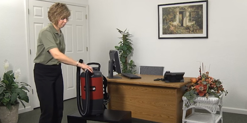 Review of Sanitaire EURSC412B Quiet Clean Backpack Lightweight Vacuum