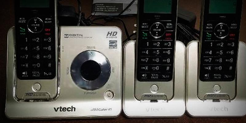 VTech LS6425-3 Expandable Cordless Phone with Answering System in the use