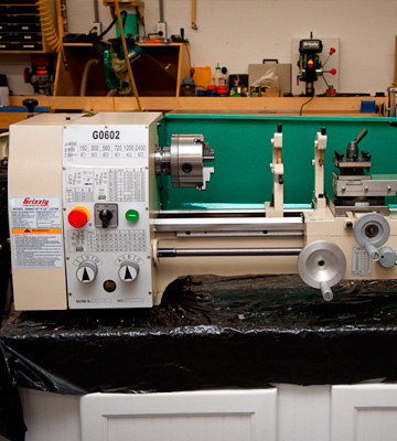 Review of Grizzly G0602 Bench Top Metal Lathe, 10x22 Inch