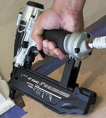 Review of Hitachi NT50AE2 Dual Firing Options Brad Nailer