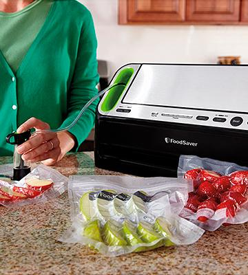 Review of FoodSaver V4440 2-in-1 Automatic Vacuum Sealing System
