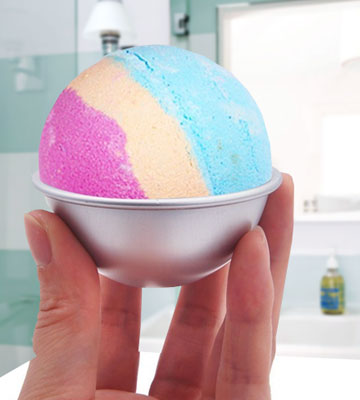 Review of MelonBoat Silver-5 Metal Bath Bomb Molds