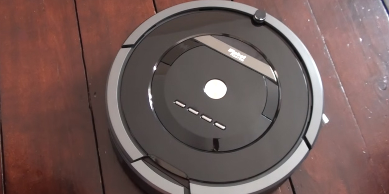 iRobot Roomba 880 Robot Vacuum in the use