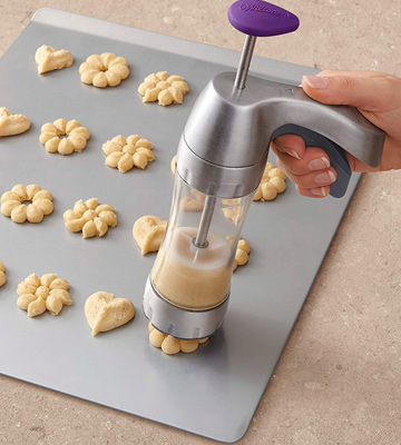 Review of Wilton Preferred Cookie Press
