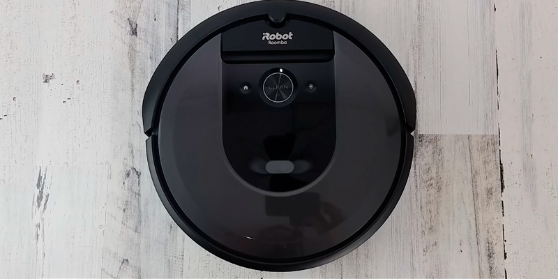 Review of iRobot Roomba i7 Robot Vacuum with Clean Base