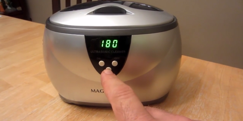 Magnasonic Professional Ultrasonic Jewelry Cleaner in the use