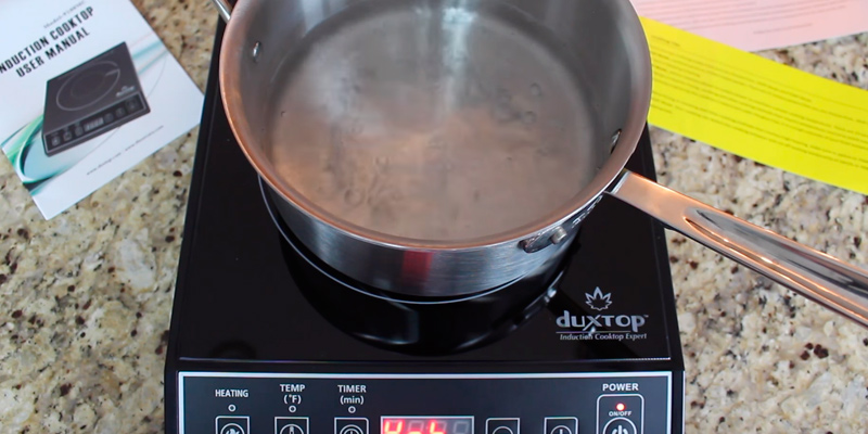 Secura 1800-Watt Portable Induction Cooktop Single Burner in the use