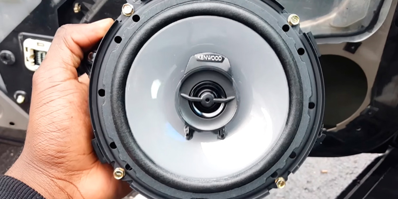 Kenwood KFC-1665S Car Audio Stereo Speakers in the use