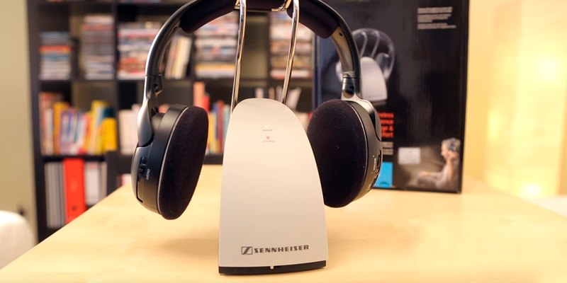 Review of Sennheiser RS120 On-Ear Wireless RF Headphones with Charging Dock