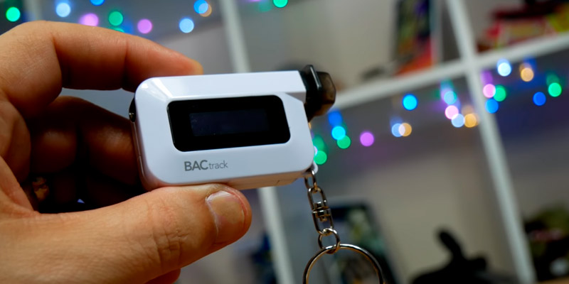 Detailed review of BACtrack BT-C6 Keychain Breathalyzer