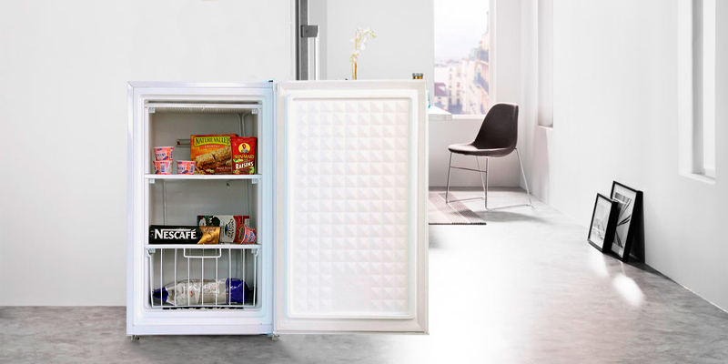 Detailed review of Midea 3.0 Cu.Ft. Upright Freezer, WHS-109F