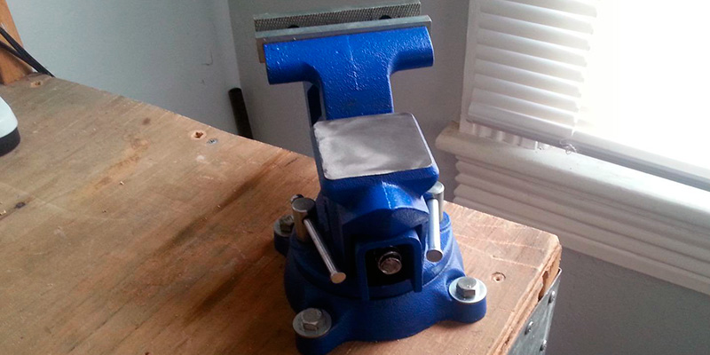Yost Tools 445 Pipe and Bench Vise in the use