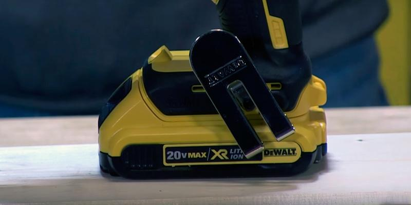 DEWALT DCF620D2 Brushless Drywall ScrewGun in the use