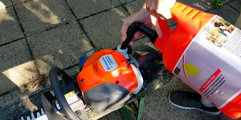 "Review of Husqvarna 122HD45 21.7 cc/18""/10.3 lb. Double Sided Hedge Trimmer"