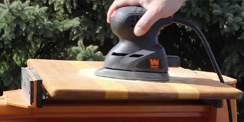 WEN 6301 Electric Detailing Palm Sander in the use