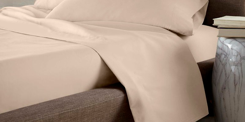 LuxClub Deep Pockets Silky Soft Sheet Set in the use