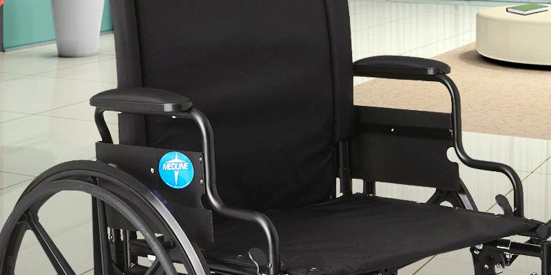 Review of Medline MDS806575 K4 Extra-Wide Lightweight Elevating Wheelchair