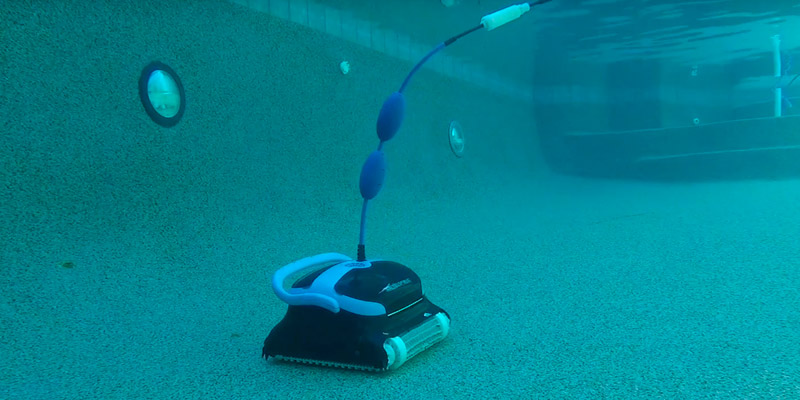 Detailed review of Dolphin Nautilus CC Plus Robotic Pool Cleaner