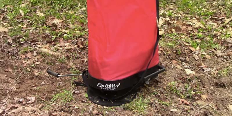 Review of Garden-Outdoor EarthWay 2750 Hand Operated