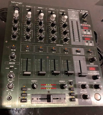 Review of Behringer DJX750 5-Channel DJ Mixer