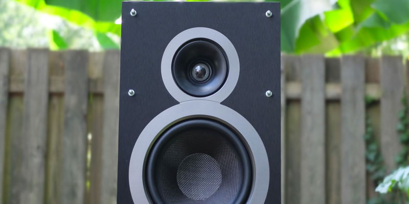 "Detailed review of Elac B6 Debut Series 6.5"" Bookshelf Speakers by Andrew Jones"