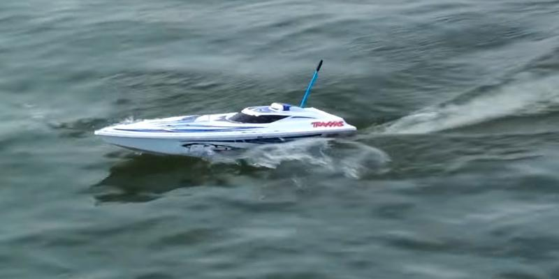 Review of Traxxas 38104-1 Blast Fully Assembled Race Boat