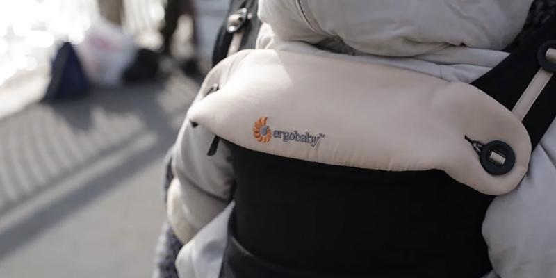 Ergobaby BC360BLKCAM1NL Ergonomic Baby Carrier in the use